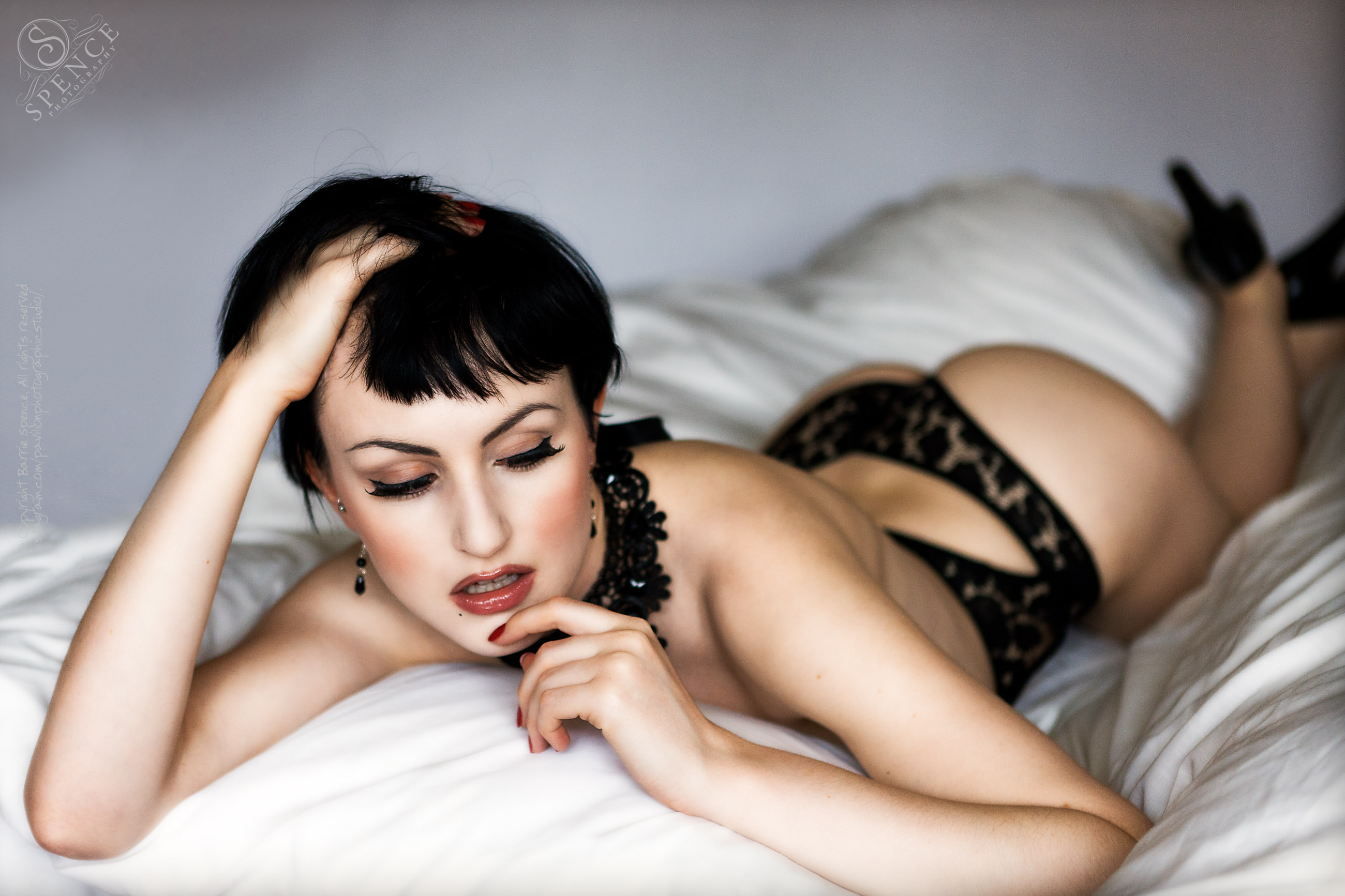 Anita De Bauch — boudoir (studio/natural light)